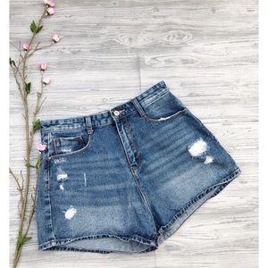Zara Distressed Jean Shorts Size 6 💙